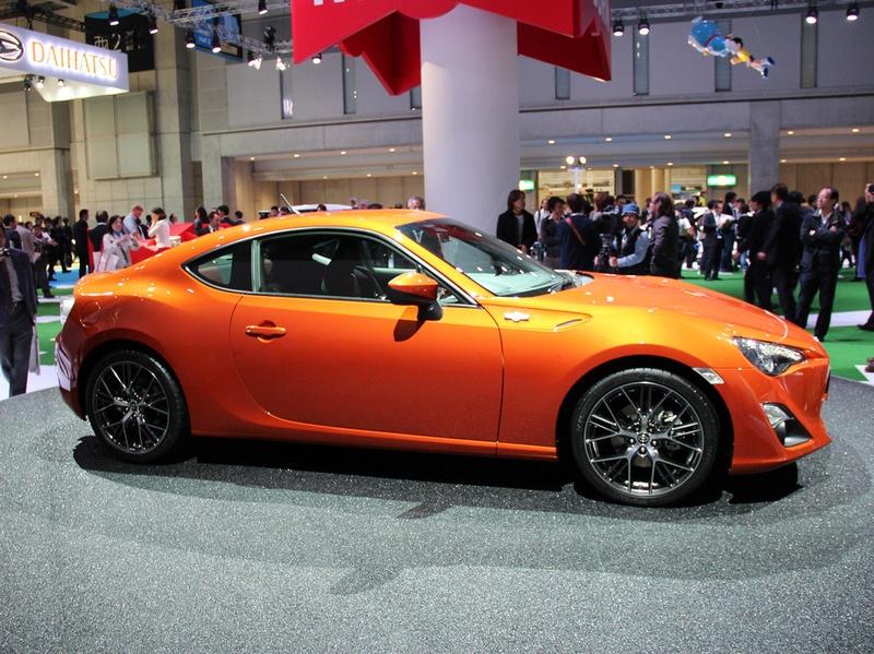 Японский автопроизводитель Toyota представил миру серийную версию купе, которое было разработано совместно с компанией Subaru.