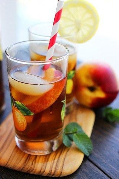 Алкогольный холодный чай-лимонад.