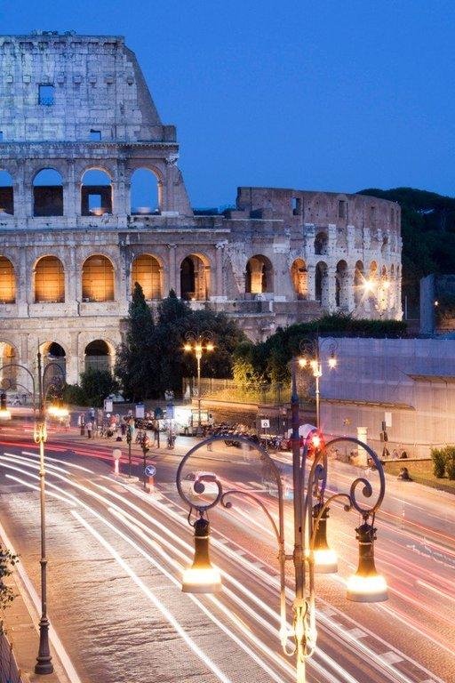 Огни Рима, Италия