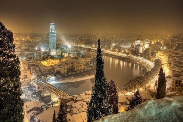 Вечер в зимней Вероне, Италия