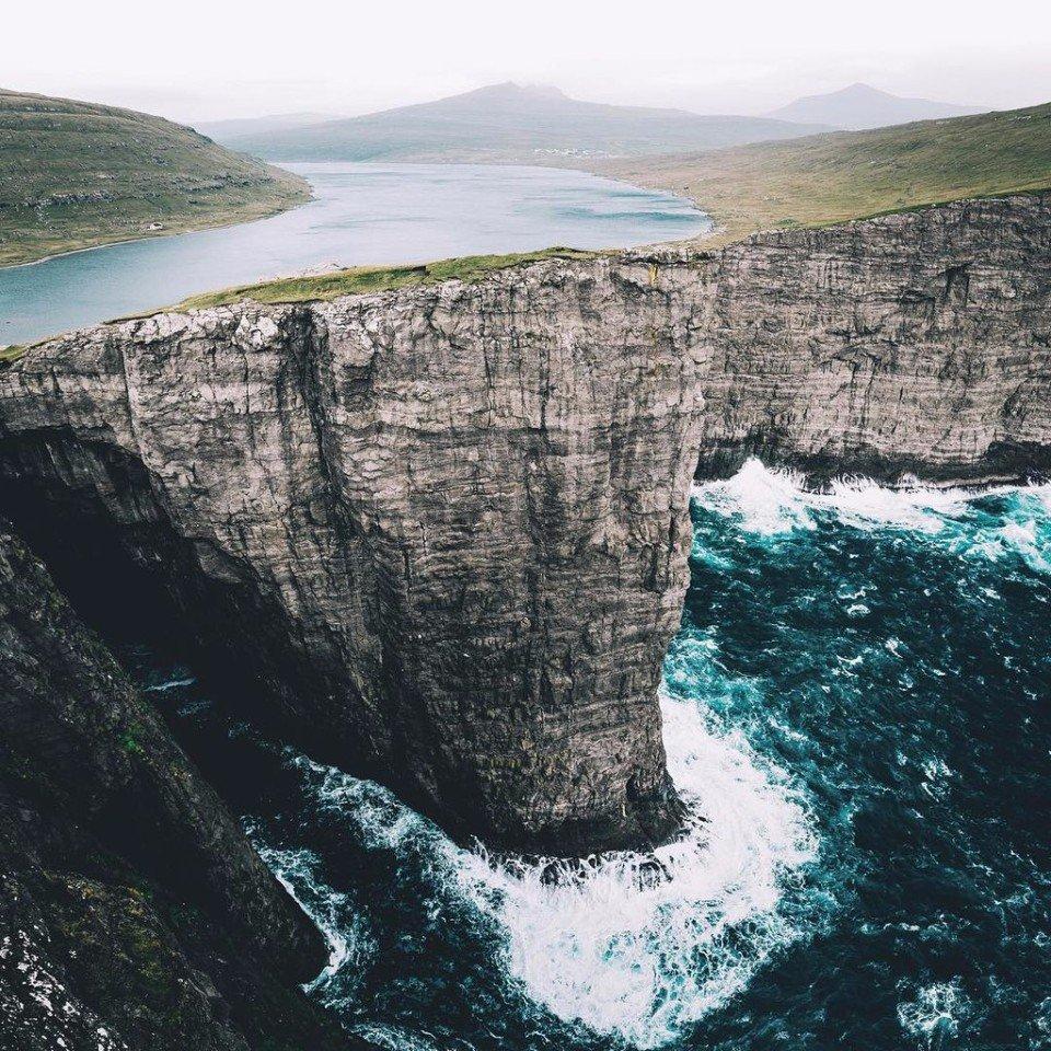 Сорвагсватн - озеро над океаном