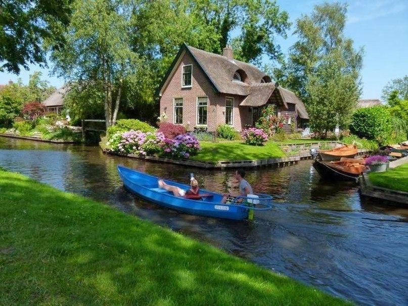 Гитхорн деревня, где нет дорог, Нидерланды