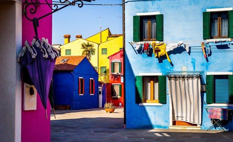 Бурано — самый яркий район Венеции.