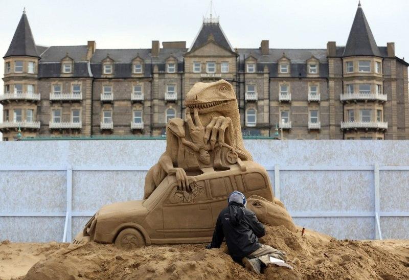 Уэстонский песочный фестиваль в Англии