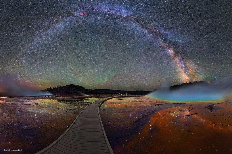 Вид Млечного Пути над Йеллоустонским национальным парком